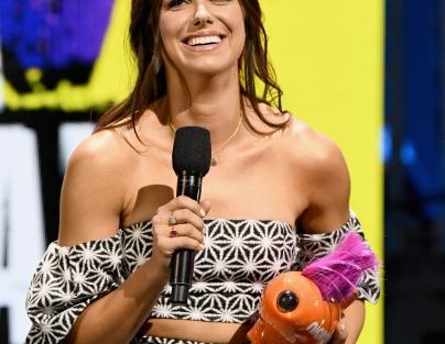 Soccer player Alex Morgan accepts the favorite female athlete award