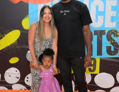 (L-R) Kishele Shipley, Kaliyah Leonard, and Kawhi Leonard attend Nickelodeon Kids' Choice Sports 2019
